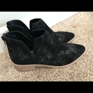 Brand new Booties By Vaneli Black Suede 8.5